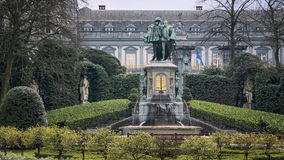 Estatua de Egmont y de Hoorne en Bruselas Imagenes de archivo