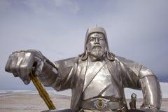 Estatua de Genghis Khan con el azote de oro imágenes de archivo libres de regalías