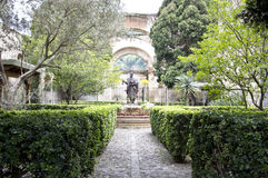Estatua de Hermano Pedro del santo Imagenes de archivo