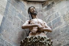 Estatua de Jesús en la catedral Stephansdom de St Stephen imagen de archivo
