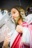 Estatua de Jesus Christ delante de la catedral de StMary en Rangún, Myanmar fotografía de archivo libre de regalías