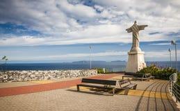 Estatua de Jesus Christ en Garajau en Funchal con la visión regional asombrosa, Madeira Fotos de archivo
