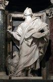 Estatua de Juan el evangelista el apóstol Fotos de archivo libres de regalías