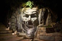 Estatua de la cara del inca fotos de archivo