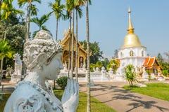 Estatua de la diosa en templo budista Fotografía de archivo libre de regalías