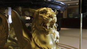 Estatua de la escultura del león almacen de video