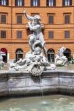 Estatua de la fuente de Neptuno en la plaza Navona en Roma Imágenes de archivo libres de regalías