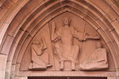 Estatua de la iglesia del Espíritu Santo de Heidelberg Imágenes de archivo libres de regalías