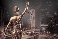 Estatua de la justicia imagenes de archivo