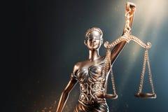 Estatua de la justicia fotos de archivo