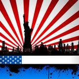 Estatua de la libertad en el contexto del indicador americano Foto de archivo