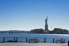 Estatua de la libertad en el ocaso Imagen de archivo