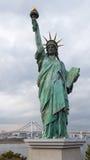Estatua de la libertad en Odaiba imagen de archivo