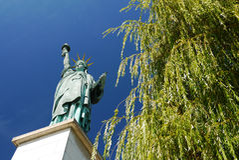 Estatua de la libertad, París, Francia. Fotos de archivo libres de regalías