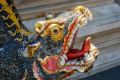 Estatua de la mamá, un animal mitológico en Wat Prathat Doi Suthep, provincia de Chiang Mai, Tailandia imagenes de archivo