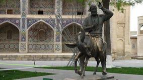 Estatua de la mula del montar a caballo del hombre metrajes