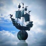 Estatua de la nave Imagenes de archivo