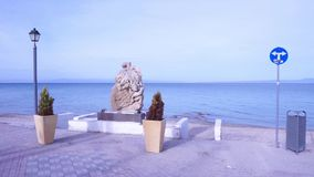Estatua de la 'promenade' de Pefkochori metrajes