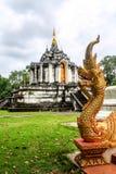 Estatua de la serpiente y del pogoda Fotografía de archivo