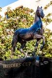Estatua de la taza del ` s del criador en Del Mar Racetrack fotografía de archivo libre de regalías