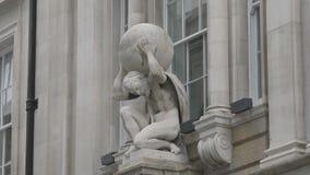 Estatua de la tenencia de la Atlántida el planeta almacen de video