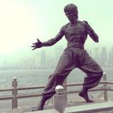 Estatua de las heces de Bruce de Hong-Kong fotos de archivo libres de regalías