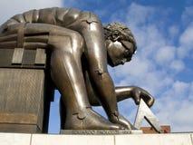 Estatua de los neutonios. Biblioteca Británica Fotografía de archivo