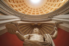 Estatua de mármol en el museo del Vaticano fotografía de archivo