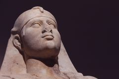 Estatua de mármol de Osiris de dios egipcio foto de archivo