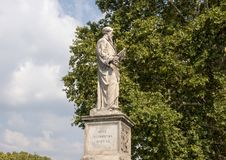 Estatua de mármol de Saint Paul el ` Ángel de Ponte Sant fotografía de archivo libre de regalías