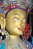 Estatua de Maitreya Buda en el monasterio de Thiksey, Leh-Ladakh, Jammu y Cachemira, la India imágenes de archivo libres de regalías
