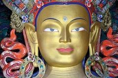 Estatua de Maitreya Buda en el monasterio de Thiksey, Leh-Ladakh, Jammu y Cachemira, la India fotografía de archivo