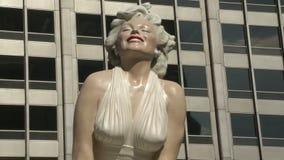 Estatua de Marilyn Monroe metrajes