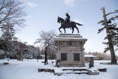 Estatua de Masamune Date en el parque de Aobayama foto de archivo