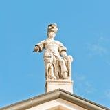 Estatua de Matilde di Canossa en San Benedetto Po, Italia Foto de archivo
