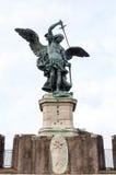 Estatua de Michael Archangel del santo Fotos de archivo libres de regalías