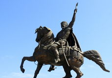 Estatua de Mihai Viteazu imagenes de archivo