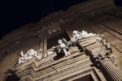 Estatua de mujeres y del ángel del niño en Florencia Italia imagen de archivo