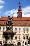 Estatua de Neptuno en el cuadrado de Masaryk en la República Checa de Jihlava imagen de archivo