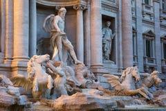 Estatua de Oceanus de la fuente del Trevi en Roma, Italia Foto de archivo