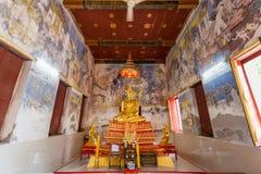 Estatua de oro de Buda en Wat Paknam Temple foto de archivo libre de regalías