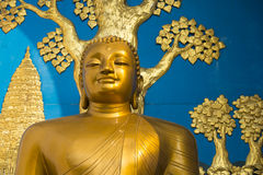 Estatua de oro de Buda Imagen de archivo