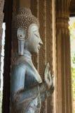 Estatua de oro de Buda, imágenes de Buda en un templo Fotografía de archivo
