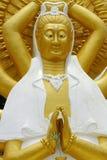 Estatua de oro de Guan Yin Fotografía de archivo