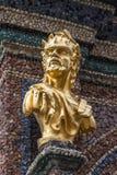 Estatua de oro en el Eremitage, palacio viejo en Bayreuth, Alemania, Foto de archivo