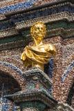Estatua de oro en el Eremitage, palacio viejo en Bayreuth, Alemania, Fotografía de archivo