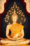 Estatua de oro tailandesa de Buddha Imagen de archivo