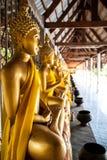Estatua de oro tailandesa de Buddha Fotografía de archivo
