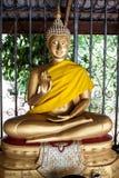 Estatua de oro tailandesa de Buddha Fotografía de archivo libre de regalías