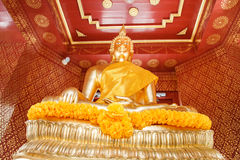 Estatua de oro tailandesa de Buddha Foto de archivo